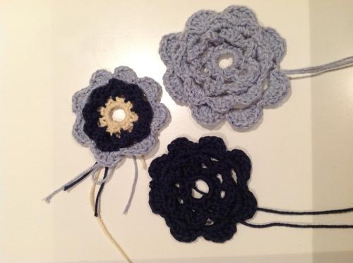 Crochet Flowers http://www.acraftyginger.com