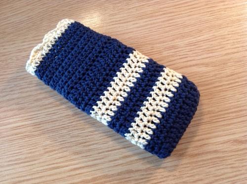 Crochet Phone Cover http://www.acraftyginger.com