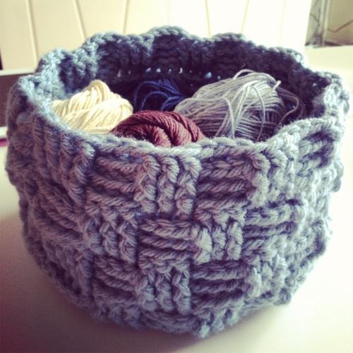 Crochet Basket http://www.acraftyginger.com