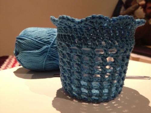 Crochet Candle Holder Cozy Tutorial http://www.acraftyginger.com