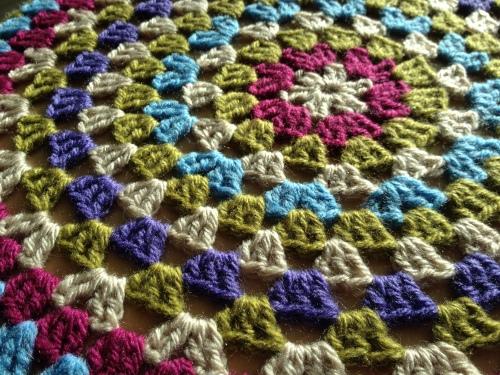 Crochet Stool Cover http://www.acraftyginger.com
