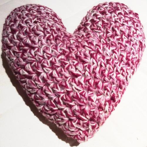 Crochet Heart Pillow http://www.acraftyginger.com