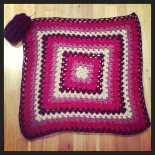 Crochet Granny Blanket http://www.acraftyginger.com