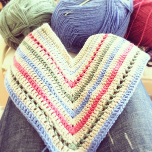 Crochet Baby Poncho http://www.acraftyginger.com