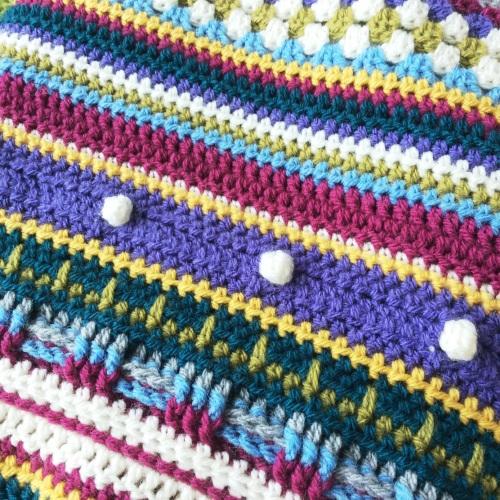 crochet stripe mood blanket http://www.acraftyginger.com