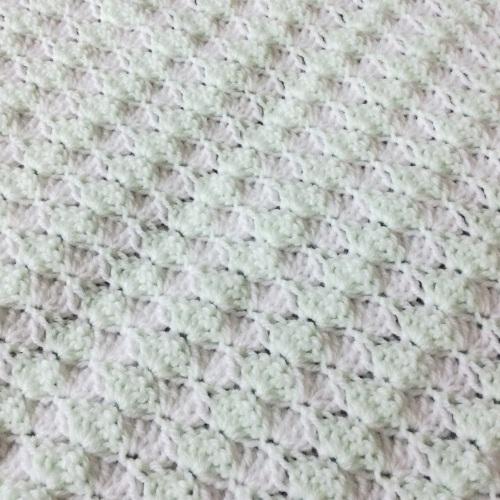 Crochet Baby Blanket http://www.acraftyginger.com